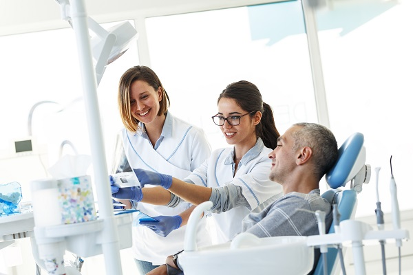 Is A Patient Sedated When Getting A Dental Implant?